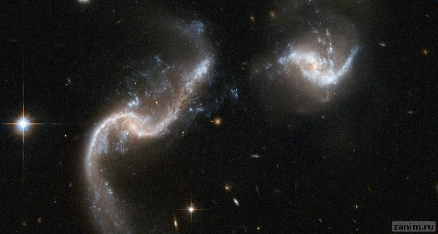 Как сталкиваются галактики