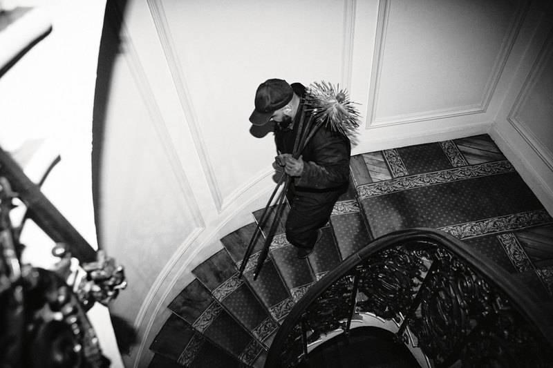 Как живут и работают последние трубочисты Парижа