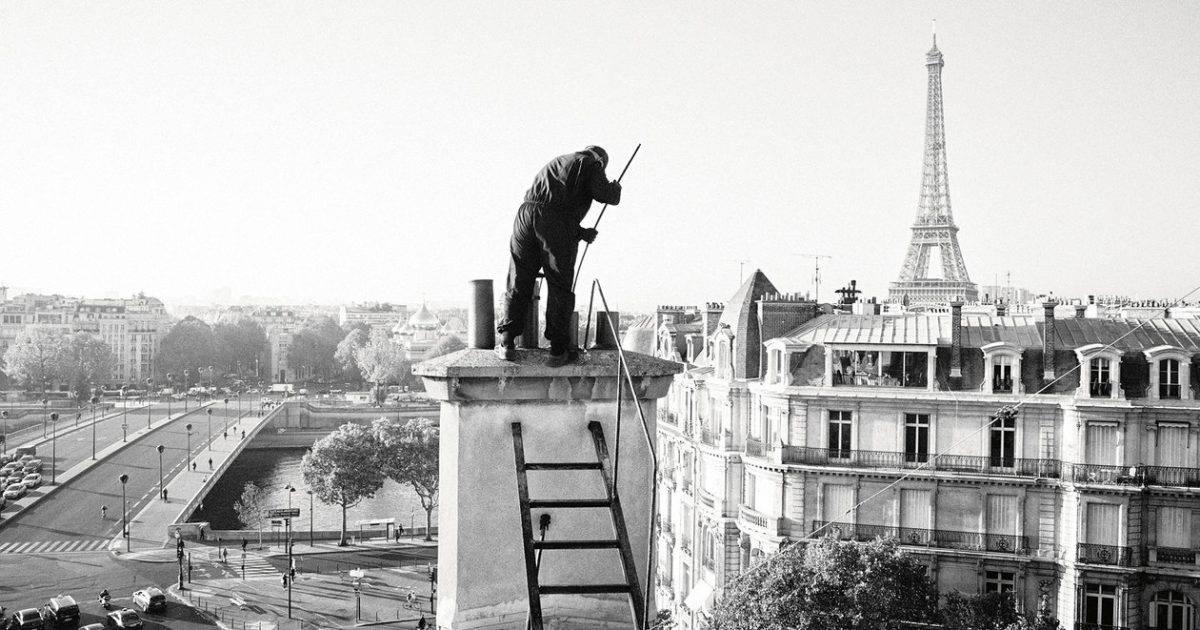 Как живут и работают последние трубочисты Парижа: история в фотографиях