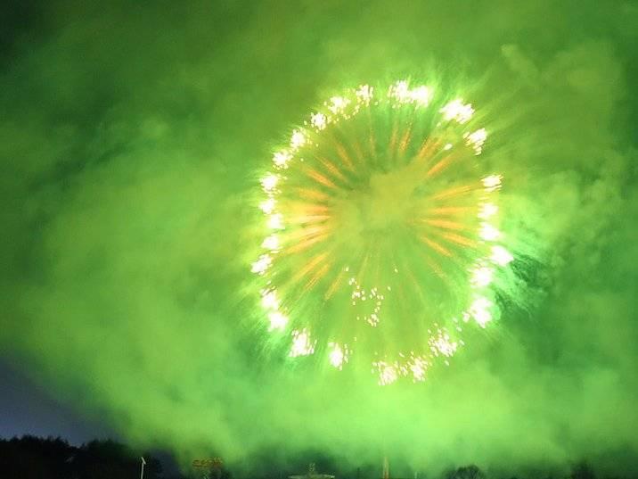 Зеленый фейерверк